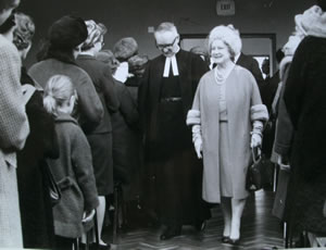 Queen Mother meets members in 1967